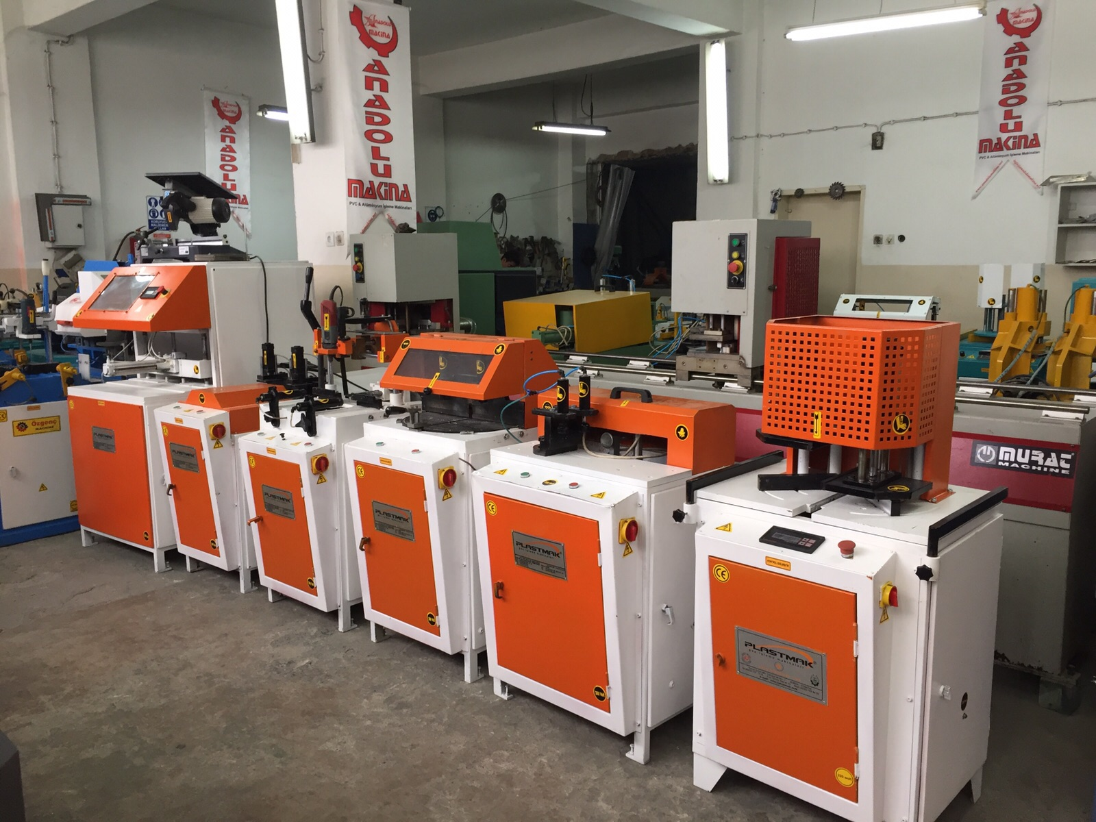 ماشین آلات مونتاژ درب و پنجرهupvc